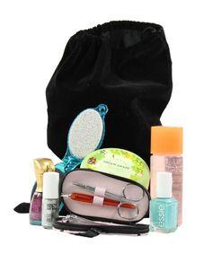 Get $3 off a Beauteque Holiday Beauty Bag!