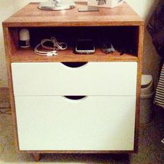 Mesa de noche  con 2 cajones. nigth Stand with 2 drawers