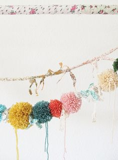 pom poms by dottie angel Fun Crafts, Diy And Crafts, Arts And Crafts, Paper Crafts, Pom Pom Garland, Bunting Garland, Lace Garland, Diy Pompon, Mobiles