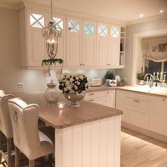 Interior of your dreams ✨ ( Kitchen Cabinets Decor, Home Decor Kitchen, Kitchen Interior, New Kitchen, Kitchen Orangery, Romantic Kitchen, Warm Home Decor, Elegant Kitchens, Küchen Design