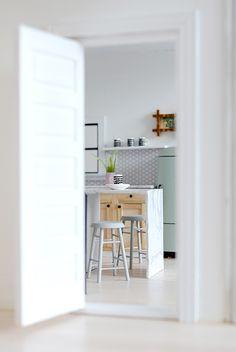 Nalle's House: Little Modern Farmhouse Kitchen