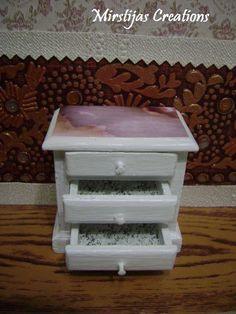 Bedside table (Del Prado)