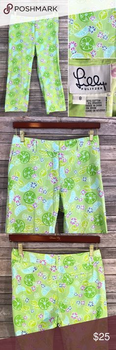 Lilly Pulitzer 8 Cropped Capri Pants Twist Lime Measurements: (in inches) - Waist: 32 - Length: 32 -Inseam:22 Lilly Pulitzer Pants Ankle & Cropped