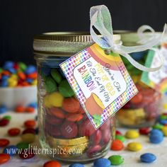 Sweet Rainbow In A Jar good luck gifts overflowing with chocolate rainbows, a pile of gold coins, marshmallow clouds and a pinch of good luck. Rainbow In A Jar, Rainbow Theme, Rainbow Baby, Rainbow Colors, Rainbow Parties, Rainbow Birthday Party, 3rd Birthday, Kylie Birthday, Birthday Ideas