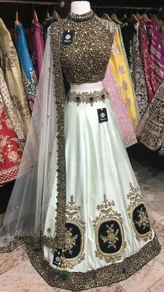 New Bridal Dresses, Party Wear Indian Dresses, Designer Party Wear Dresses, Indian Gowns Dresses, Indian Bridal Outfits, Indian Bridal Fashion, Pakistani Bridal Wear, Dress Indian Style, Indian Fashion Dresses