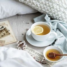 Breakfast in bed.Food photography and styling. Breakfast in bed.Food photography and styling. Breakfast Photography, Food Photography Styling, Food Styling, Photography Tea, Cupcake Photography, Morning Photography, Afternoon Tea, Momento Cafe, Chocolate Cafe