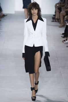 Michael Kors Collection Spring 2017 Ready-to-Wear Fashion Show - Mica Arganaraz https://tmblr.co/ZRlNZd2NHorYj