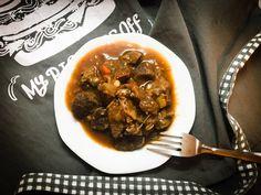 Goulash, Breakfast, Ethnic Recipes, Food, Red Peppers, Morning Coffee, Essen, Meals, Yemek