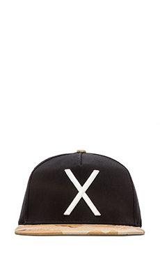 10 Deep Larger Living Hat in Black | REVOLVE