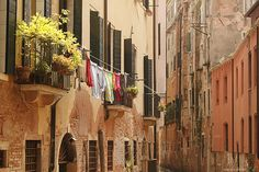 what a beautiful street and I just love all the colors