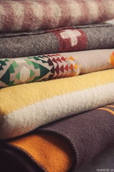 wool blankets for fall   //   FOXINTHEPINE.COM