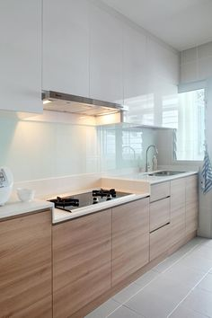 Modern Kitchen Design Here are 8 well-designed homes to make your OCDs (obsessive-compulsive disorder) something to easier live with. - Here are 8 well-designed homes to make your OCDs (obsessive-compulsive disorder) something to easier live with. Kitchen Ikea, Modern Kitchen Cabinets, Kitchen Cabinet Design, Modern Kitchen Design, Home Decor Kitchen, Interior Design Kitchen, Kitchen White, Kitchen Wood, Kitchen Contemporary