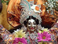 http://harekrishnawallpapers.com/sri-nitai-close-up-iskcon-baku-wallpaper-001/