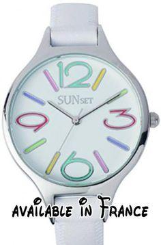 B00JGM7X30 : Sunset - 2343 - Montre Femme - Quartz Analogique - Cadran Blanc - Bracelet Cuir Blanc. Pochette Organza. Montre pour Femme à mouvement Quartz - Bracelet en Cuir Blanc. Type d'affichage : Analogique. Diamètre du cadran : 37 millimètres. Épaisseur du boîtier : 8 millimètres. Largeur du bracelet : 12 millimètres