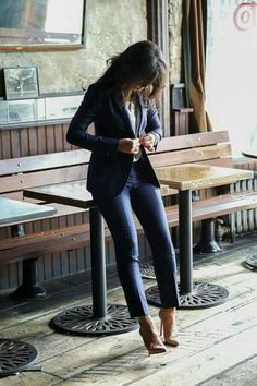 Gorgeous 41 Stylish Professional Interview Outfits for Women https://inspinre.com/2018/02/26/41-stylish-professional-interview-outfits-women/