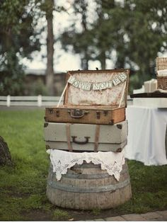 Malas antigas na decoração de casamento...