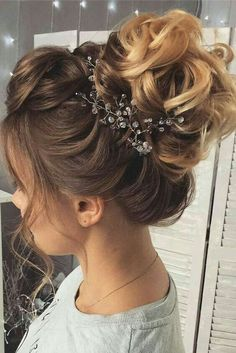 Formal hairstyles for teenagers - Frisuren - Wedding Hairstyles Peinado Updo, Teenage Hairstyles, Bun Hairstyles, Hairstyles 2018, Trendy Hairstyles, Natural Hairstyles, Hairstyle Ideas, Long Haircuts, Layered Hairstyles