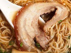 Recipe: Chashu Pork (Marinated Braised Pork Belly for Tonkotsu Ramen). From: Serious Eats. Ingredients: 2 pound slab of boneless pork belly, skin-on cup soy sauce 1 cup sake 1 cup mirin cup sugar - Punchfork Pork Belly Recipes, Ramen Recipes, Asian Recipes, Cooking Recipes, Hawaiian Recipes, Tonkatsu Ramen, Ramen Broth, Ramen Soup, Ramen Bar