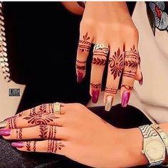 Mehndi designs For Girls 2018 Finger Henna Designs, Stylish Mehndi Designs, Mehndi Designs For Girls, Mehndi Design Photos, Henna Designs Easy, Beautiful Henna Designs, Best Mehndi Designs, Arabic Mehndi Designs, Henna Tattoo Designs