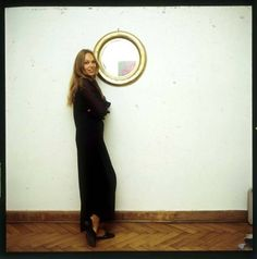 Małgorzata Braunek pozuje do sesji nowej kolekcji projektantki Barbary Hoff (1969)