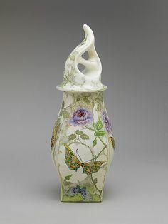 Baluster Vase with Cover. Rozenburg.