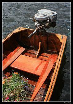 ,Vintage Fresh Water Fishing Boat !~