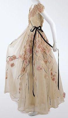 1937 Jeanne Lanvin . The Metropolitan Museum of Art