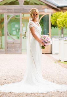 Wedding Checklist Buying Your Wedding Dress: The Essential Checklist Wedding Day Checklist, Wedding Advice, Budget Wedding, Wedding Bride, Wedding Planning, Wedding Ideas, Wedding Stuff, Wedding Checklists, Wedding Cake
