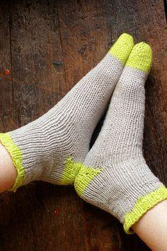 A Common Thread — knit pattern: summer socks DIY