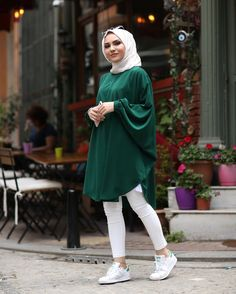 Hijab Casual, Modest Fashion Hijab, Hijab Style Dress, Pakistani Fashion Casual, Pakistani Dresses Casual, Modern Hijab Fashion, Hijab Chic, Muslim Women Fashion, Islamic Fashion