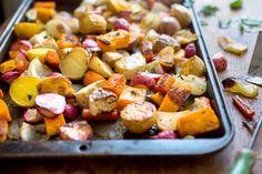 Zo behouden je groentes ook nog eens hun smaak Wanneer je niet echt na wilt denken over het bereiden van je groente, wordt het vaak in de pan gegooid en opgezet met water. Makkelijk is het inderdaad, maar je kunt ook heerlijke groente krijgen wanneer je het in de oven doet. En dan hoef je ook nog e