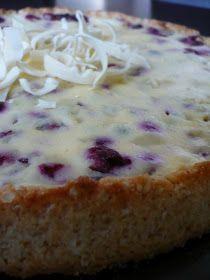 Crazy Baker: Mustaherukka-valkosuklaapiirakka Banana Bread, Sweet Tooth, Cheesecake, Berries, Food And Drink, Tasty, Sweets, Sugar, Cooking