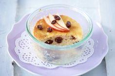 Apfel-Rosinen-Küchlein                             ☆Biskuit  Teig  zubereiten.  Apfel waschen, schälen, vierteln, entkernen und raspeln. Mit Rosinen unter den Teig heben.☆