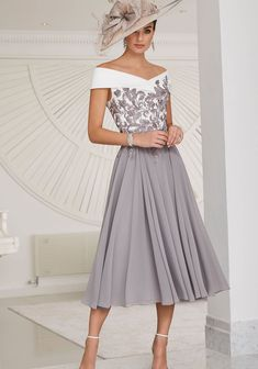 Mother Of Bride Outfits, Mother Of Groom Dresses, Mother Of The Bride Fashion, Calf Length Dress, Mid Length Dresses, Stunning Dresses, Beautiful Gowns, Occasion Wear, Special Occasion Dresses