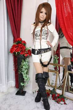 Rokku gyaru Gyaru Fashion, Kawaii Fashion, Lolita Fashion, Teen Fashion, Punk Rock Fashion, Tokyo Fashion, Visual Kei, Girl Outfits, Fashion Outfits