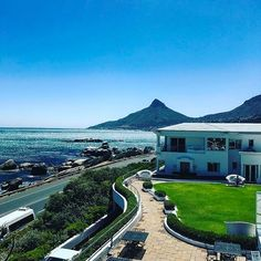 Look at God🙌🏽 #capetown #travel #discover #life #mylife #moment #moments #blessed #grateful #happy #yay #loveit #goodtimes #instadaily #Instagood #nature #naturelover #outdoors #love #live #holiday #tourist #travelgram #weekend #latergram #sunny #sea #mountain #travel #tourism #travelgram #popular #trending #micefx