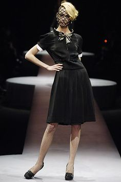 Viktor & Rolf | Fall 2006 Ready-to-Wear Collection | Style.com