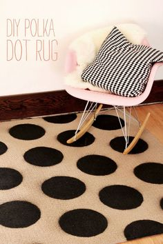 DIY Polka Dot Rug:: Home Decor:: Polka Dots:: DIY Home:: Girly Home Decor:: Rugs