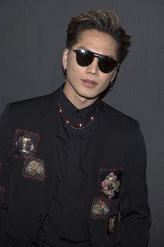 Hiroomi Tosaka attends the Dior Homme Menswear Fall/Winter 2017-2018 show as part of Paris Fashion Week on January 21, 2017 in Paris, France. - Dior Homme : Front Row - Paris Fashion Week - Menswear F/W 2017-2018