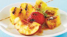 Symphonie de fruits grillés | Recettes IGA | Brochettes, Barbecue, Recette facile
