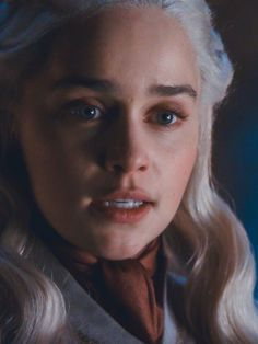 Are you looking for ideas for got quotes?Check out the post right here for unique Game of Thrones memes. These amazing images will brighten up your day. Game Of Thrones Queen, Game Of Thrones Cast, Game Of Thrones Characters, Daenerys Targaryen, Khaleesi, Emilia Clarke, Game Of Trone, Fire Book, Geralt Of Rivia