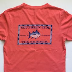 The Skipjack Mint condition. Only worn once. 100% cotton. Color- Coral. No trades. Southern Tide Tops Tees - Short Sleeve
