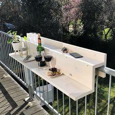Small Balcony Design, Small Balcony Garden, Small Balcony Decor, Small Outdoor Spaces, Balcony Furniture, Dream Furniture, Diy Outdoor Furniture, Outdoor Decor, Condo Balcony