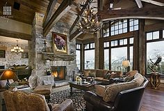 Rustic mountain retreat for mountain biking / hiking / Jeeping in the summer and snow boarding in the winter