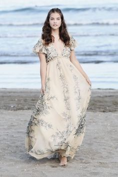 Model Style   Barbara Palvin in Lido Beach photo shoot, Venice   Where to get her dress   The Luxe Lookbook