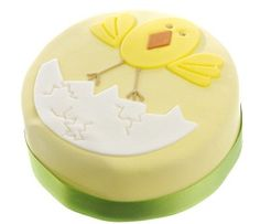 Easter gift guide: A present for everyone Easter Cake, Easter Food, Easter Recipes, Easter Gift, Chicken Cake, Cute Toys, Gift Guide, Cake Decorating, Presents