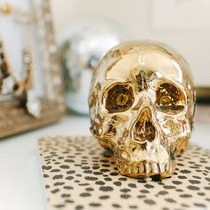 This Jet Black Carved Matte Skull Candle Will Set Your House Aflame With A Spooky Glow Makes The Perfect Center Piece For Any Halloween Fete Or D