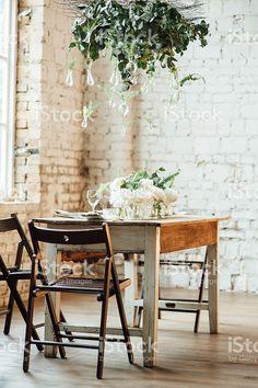 Hochzeit Zimmer Im Loft Stil Mit Einem Tisch Und Accessoires U2013 Lizenzfreieu2026