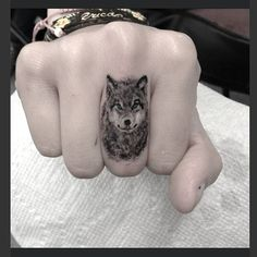 small wolf tattoo - Sök på Google