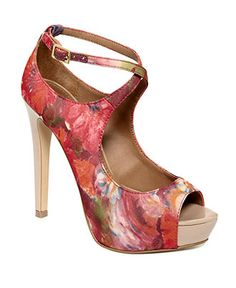 Steve Madden pumps :]  Beautiful...not sure if I could walk in them!